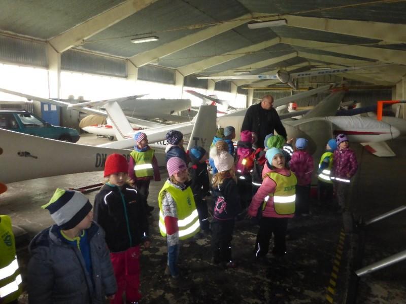 Děti ze školky v dubnu v letadle